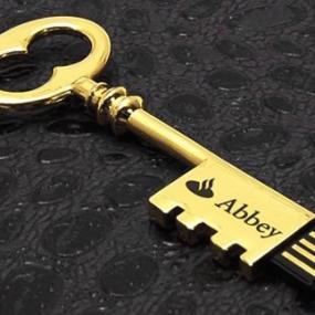 Chiavetta di memoria 8GB a forma di chiave di albergo. Diritti SIAE ob...