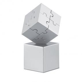 Puzzle 3D composto da 8 pezzi in metallo magnetico