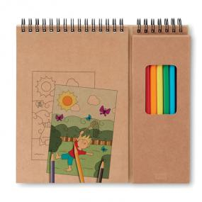 Set per colorare composto da un quaderno di 24 pagine c...