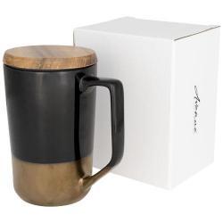 Bella tazza in ceramica con finiture vintage sul corpo....