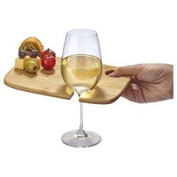 Il piatto presenta un supporto pratico per il calice di...
